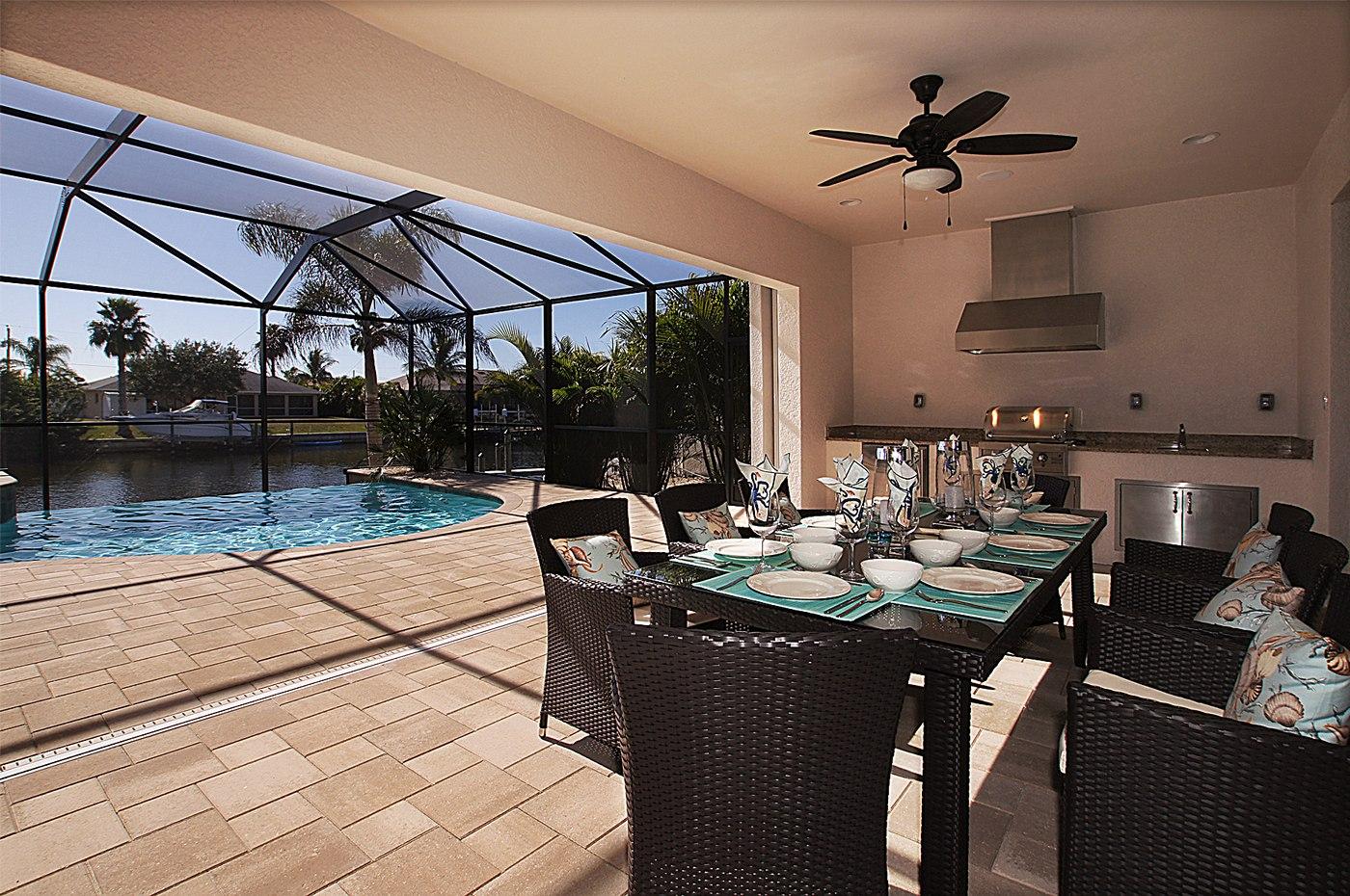 Pool Area im Ferienhaus