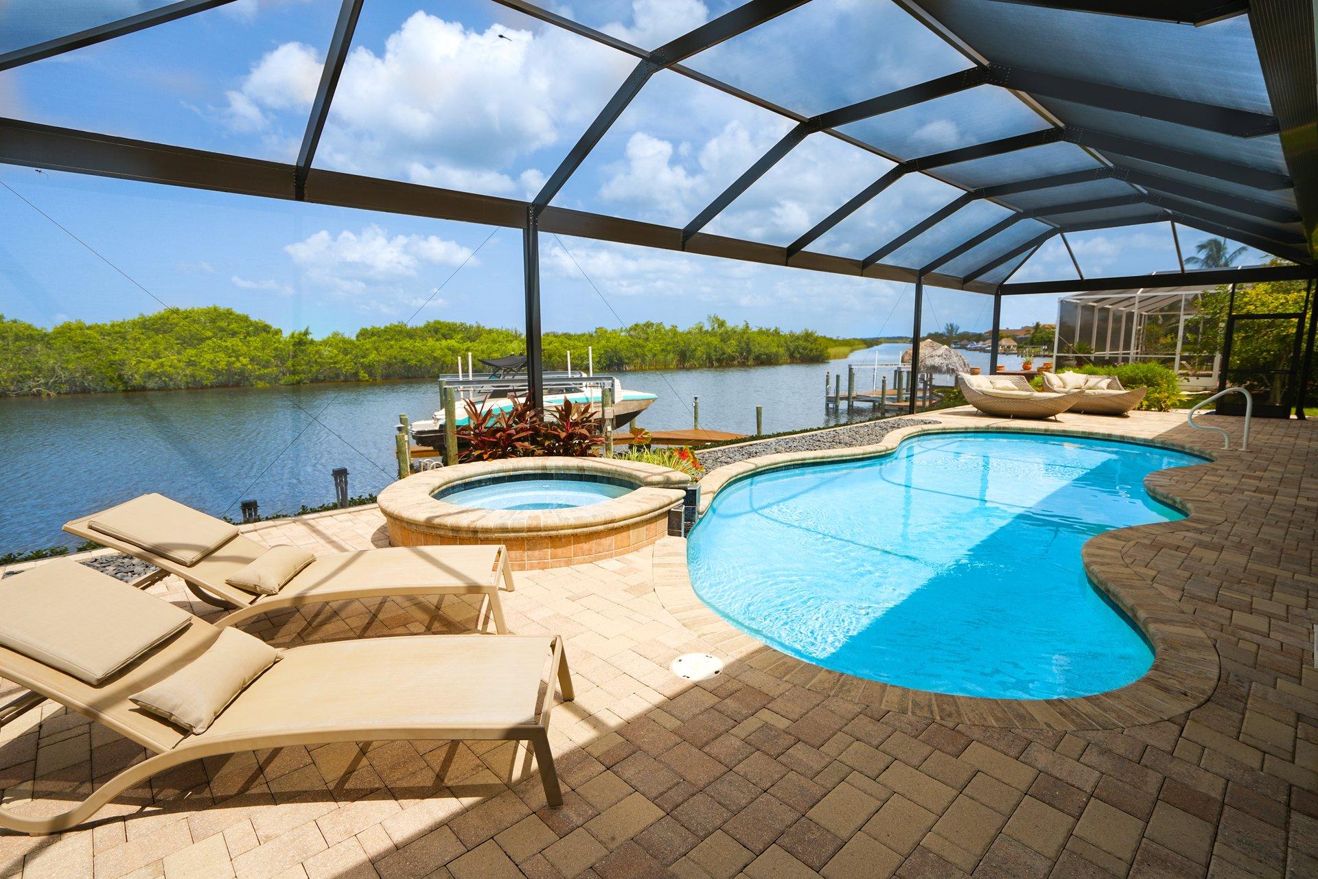 villa surfside new ferienvilla in florida. Black Bedroom Furniture Sets. Home Design Ideas